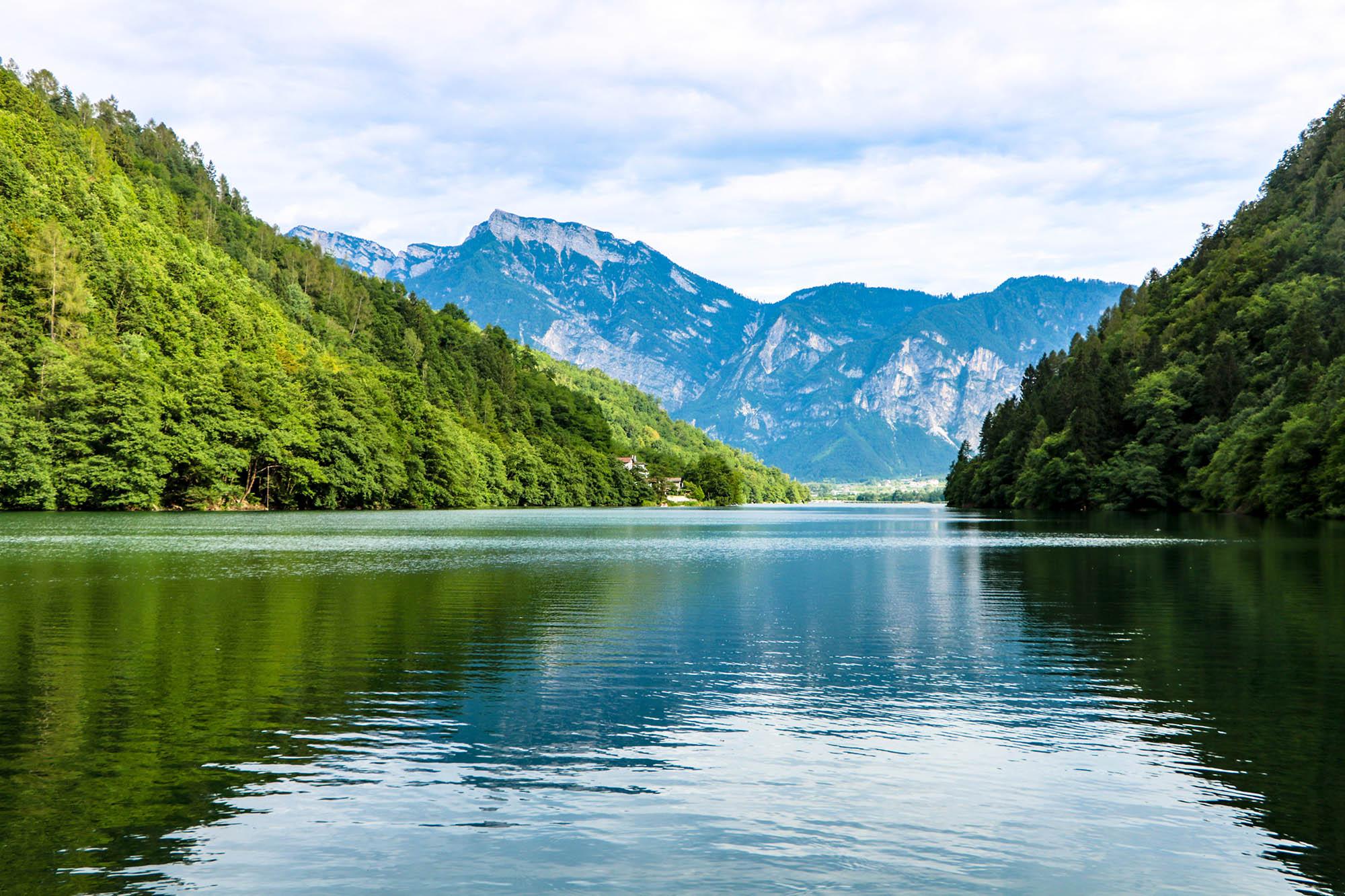 Lago di Levico Terme: uno dei laghi più belli del Trentino.