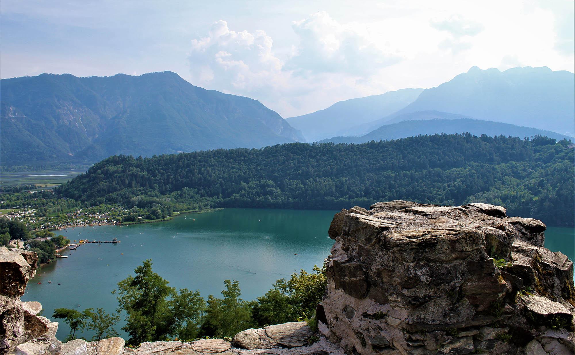 Trekking con vista del lago di Levico