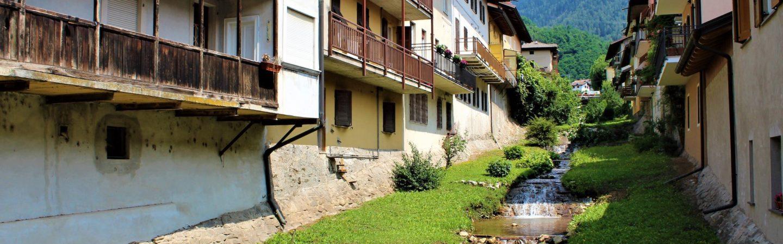 Un paesaggio mozzafiato e un centro storico dall'atmosfera Ottocentesca : Levico Terme  è stato premiato uno dei più bei borghi d'Italia.